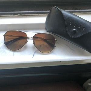 DIFF | Gold Polarized Aviator Sunglasses